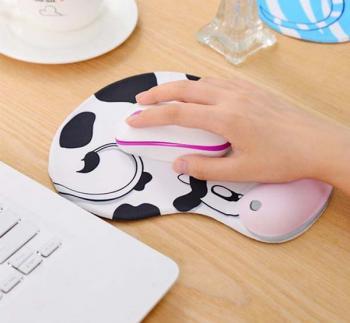 Bàn di chuột có đệm tay hình thú